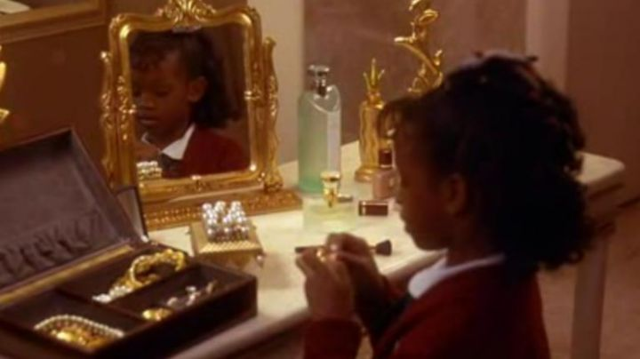 Bvlgari perfume seen in Waiting To Exhale - Movie Outfits and Products