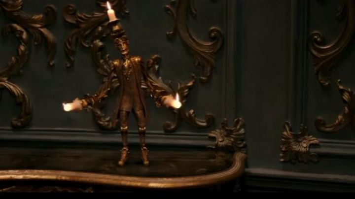 Fashion Trends 2021: Candlestick in metal, in beauty and the Beast
