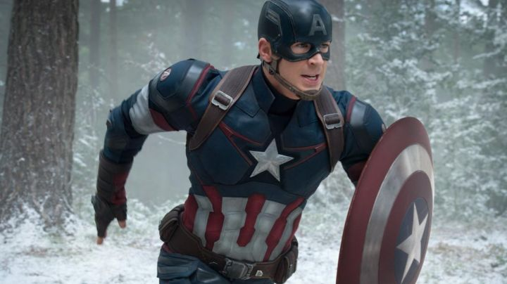 Captain America Jacket worn by Steve Rogers (Chris Evans) as seen in Avengers: Age of Ultron