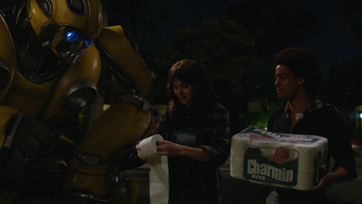 Charmin Toilet Paper used by Charlie (Hailee Steinfeld) in Bumblebee Movie