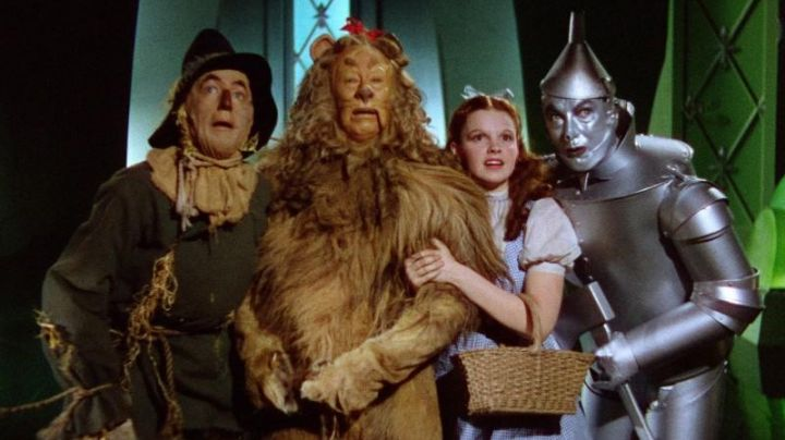 Cowardly Lion's (Bert Lahr) wig as seen in The Wizard of Oz (1939) - Movie Outfits and Products