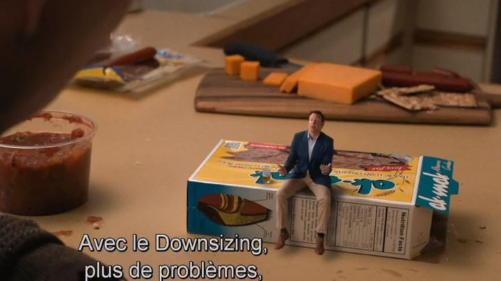Crackers Ak Mak in the film Downsizing - Movie Outfits and Products