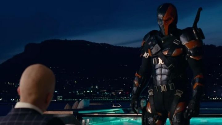 Deathstroke's (Joe Manganiello) body armor in the credits of Justice League Movie