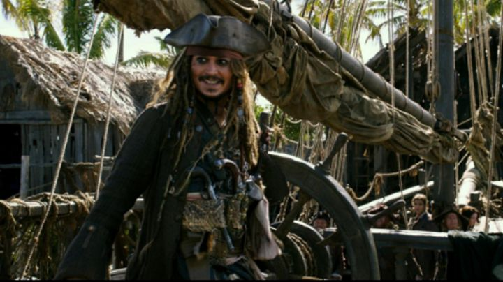 Disguise Jack Sparrow (Johnny Depp) for children, Pirates of the Caribbean : The Revenge of Salazar - Movie Outfits and Products