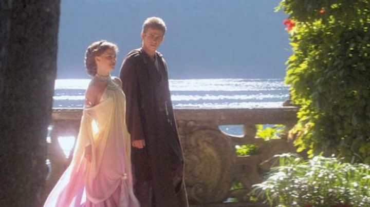 Dress of Padme Amidala in Star Wars Revenge of The Sith - Movie Outfits and Products