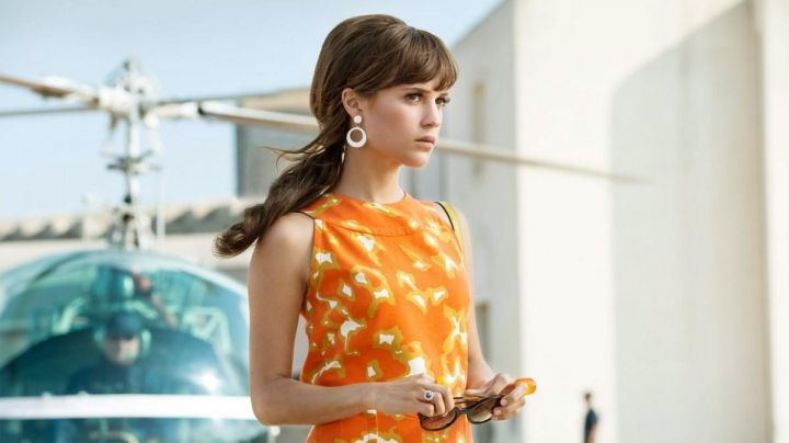 Earrings 60's Gaby Teller (Alicia Vikander) in very special Agents : Code UNCLE movie