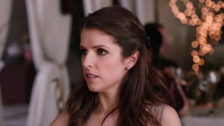 What Earrings By Eloise Mcgarry Anna Kendrick In Table 19