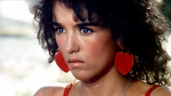 Fashion Trends 2021: Earrings creole red of Isabelle Adjani in the Deadly Summer