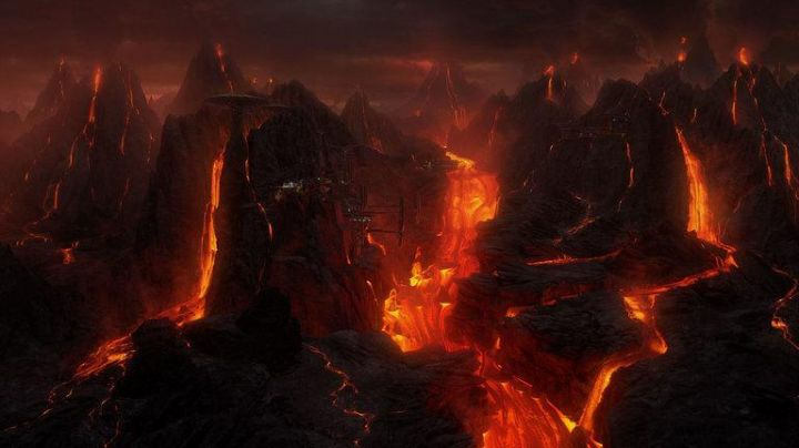 Fashion Trends 2021: Etna in eruption that enabled the constitution of the planet's volcanic Mustafar in Star Wars III : Revenge of The Sith