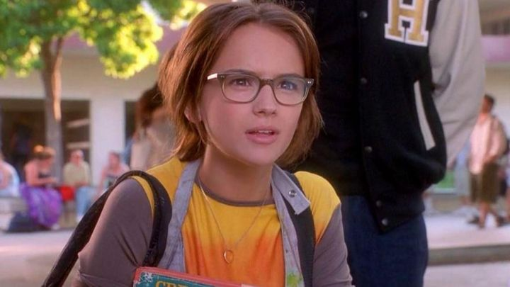 Eyeglasses worn by Laney Boggs (Rachael Leigh Cook) as seen in She's All That movie