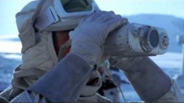 Genuine hood of the rebel army on Hoth in Star Wars V : The empire against attack - Movie Outfits and Products