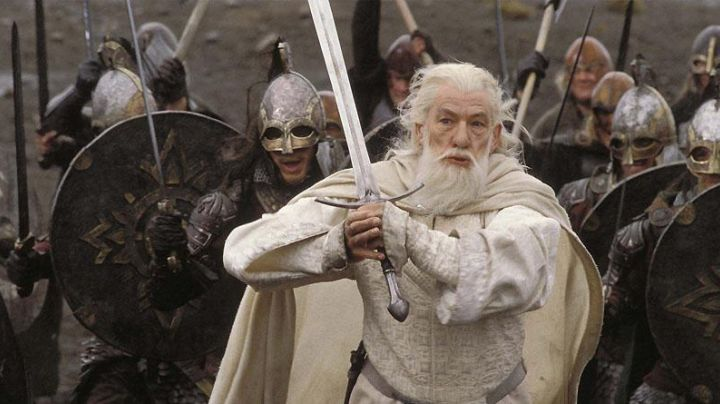 Glamdring Sword of Gandalf (Ian McKellen) as seen in The Hobbit: An Unexpected Journey - Movie Outfits and Products