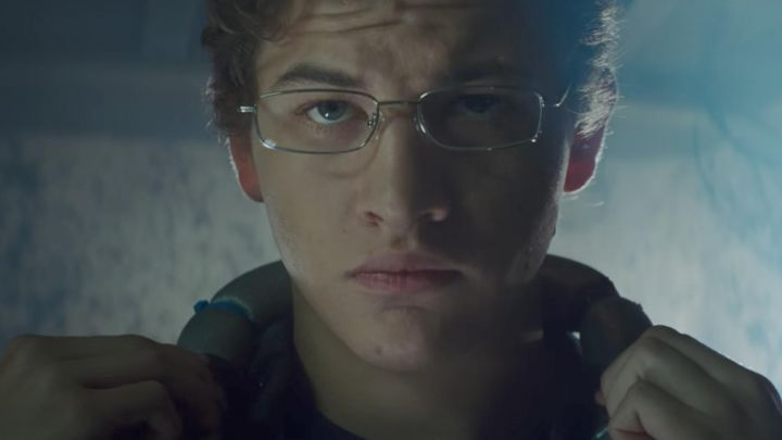 Glasses of view of Wade Owen Watts / Parzival (Tye Sheridan) in Ready Player One Movie