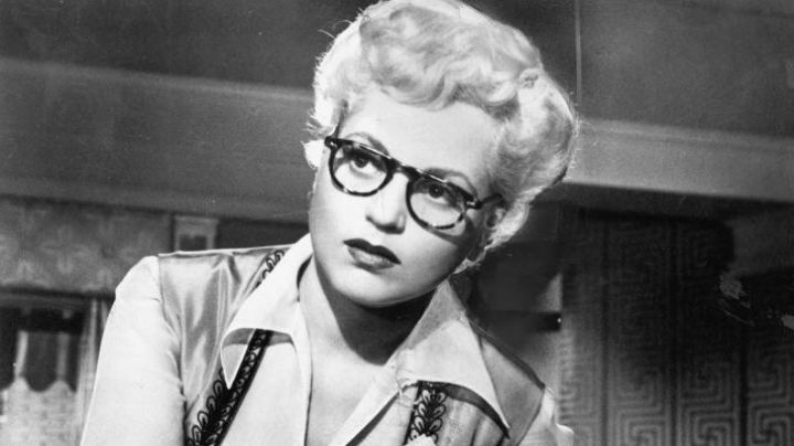 Glasses view Emma Dawn / Billie (Judy Holliday) in Born Yesterday - Movie Outfits and Products