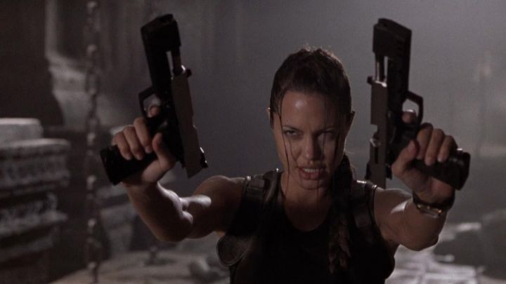 Guns Of Lara Croft Angelina Jolie In Lara Croft Tomb Raider Movie