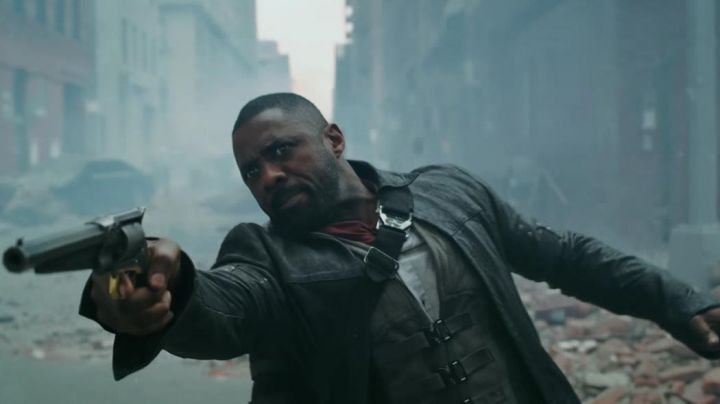 Gunslinger Coat worn by Roland de Gilead (Idris Elba) as seen in The Dark Tower