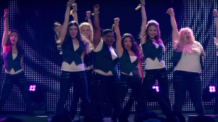 Fashion Trends 2021: Hailee Steinfeld Pant in Pitch Perfect 2