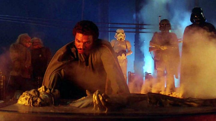 Fashion Trends 2021: Han Solo frozen in carbonite (Harrison Ford) in Star Wars V : the empire strikes back