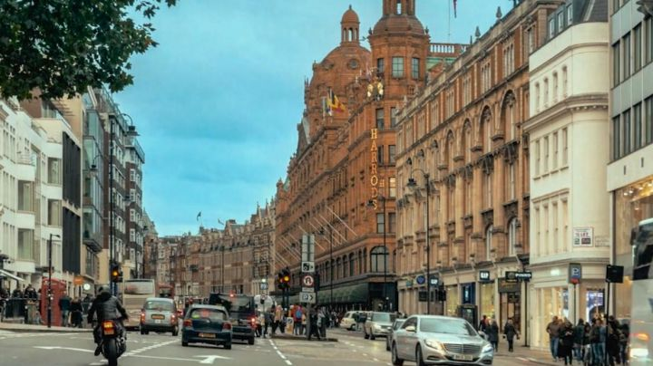 Harrods department store in London, in Peter Rabbit - Movie Outfits and Products