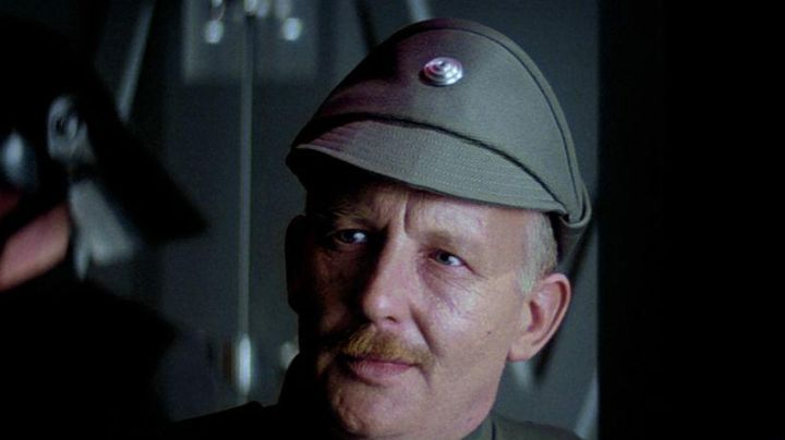 Fashion Trends 2021: Hat imperial officer in Star Wars IV : A new hope