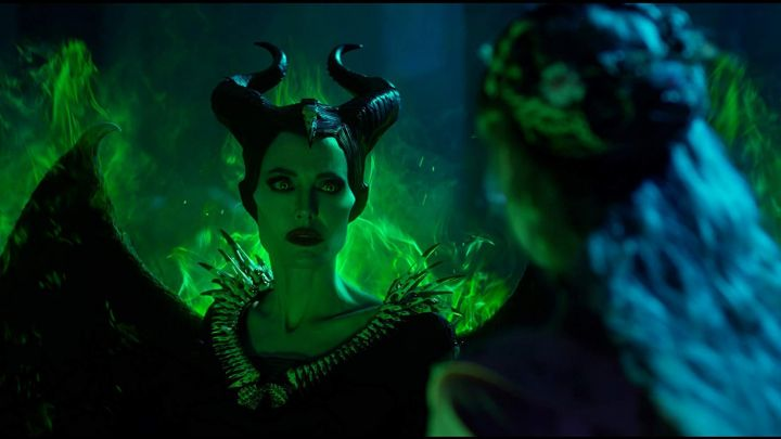 Headdress Horns Costume Cosplay worn by Maleficent (Angelina Jolie) as seen in Maleficent: Mistress of Evil Movie