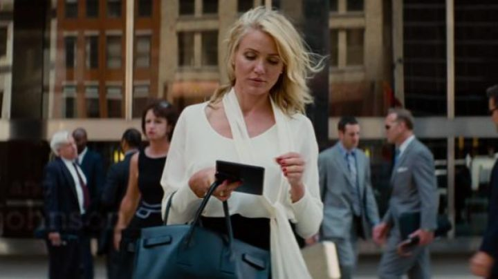 """IPad mini white Carly Whitten (Cameron Diaz) in """"the Triple alliance"""" - Movie Outfits and Products"""