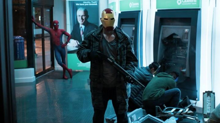 Iron Man Mask worn by a robber as seen in Spider-Man: Homecoming - Movie Outfits and Products