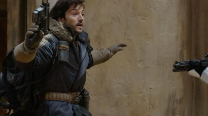 Jacket blue Cassian Andor (Diego Luna) in Rogue One : A Star Wars Story - Movie Outfits and Products