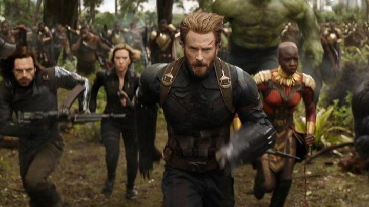 Jacket worn by Captain America (Chris Evans) as seen in Avengers: Infinity War - Movie Outfits and Products