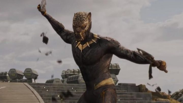 Jaguar Golden Mask worn by Erik Killmonger (Michael B. Jordan) as seen in Black Panther - Movie Outfits and Products
