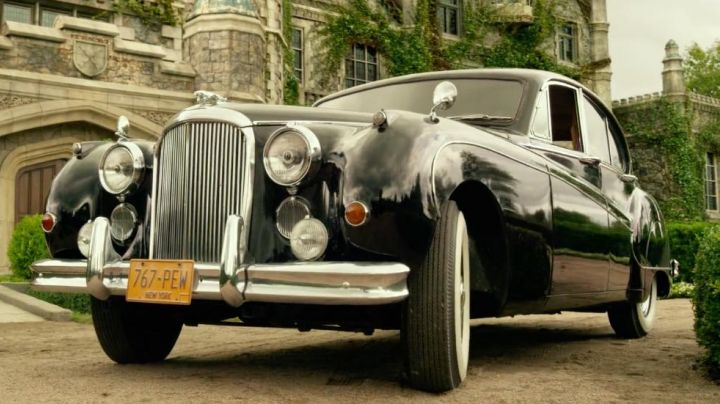 Jaguar Mk.IX (1959) in X-Men Apocalypse - Movie Outfits and Products