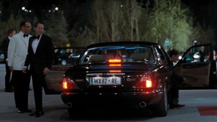 Jaguar XJ8 used by Dominic Greene (Mathieu Amalric) as seen in Quantum of Solace - Movie Outfits and Products