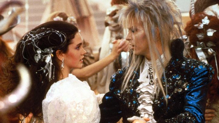 Jareth's (David Bowie) blonde and blue wig as seen in Labyrinth - Movie Outfits and Products