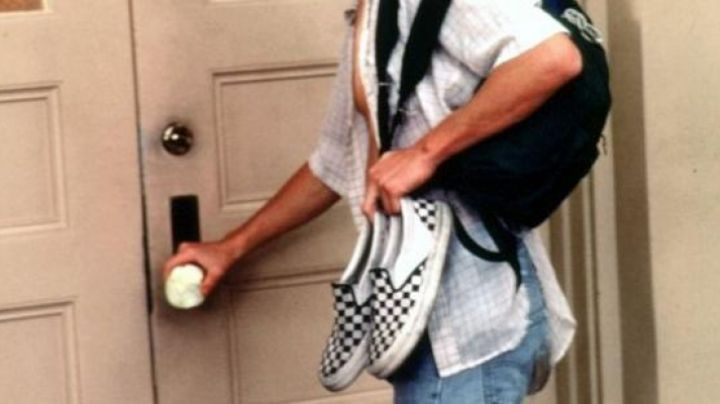 Jeff Spicoli wears Vans Slip-Ons in Fast Times at Ridgemont high - Movie Outfits and Products