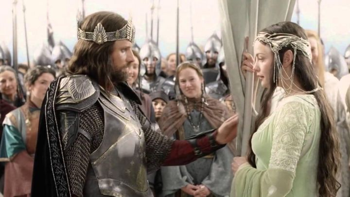 King Armor worn by Aragorn (Viggo Mortensen) as seen in The Lord of the Rings: The Return of the King Movie