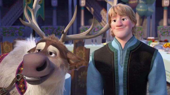 Kristoff's blonde wig as seen in Frozen - Movie Outfits and Products