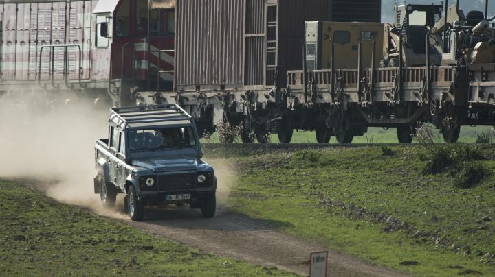 Land Rover Defender driven by Eve Moneypenny (Naomie Harris) as seen in Skyfall - Movie Outfits and Products