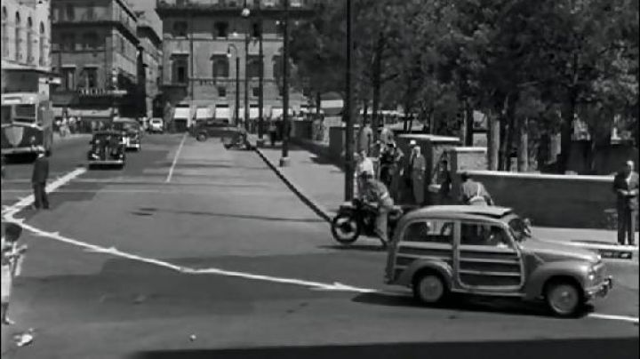 Largo di Torre Argentina in Rome in roman Holiday - Movie Outfits and Products