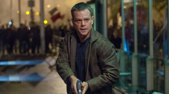 Leather Jacket worn by Jason Bourne (Matt Damon) as seen in Jason Bourne - Movie Outfits and Products