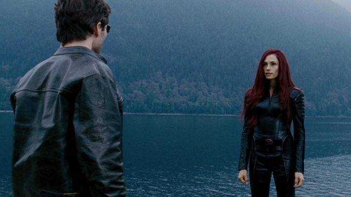 Leather Jacket worn by Jean Grey (Famke Janssen) as seen in X-Men: The Last Stand - Movie Outfits and Products