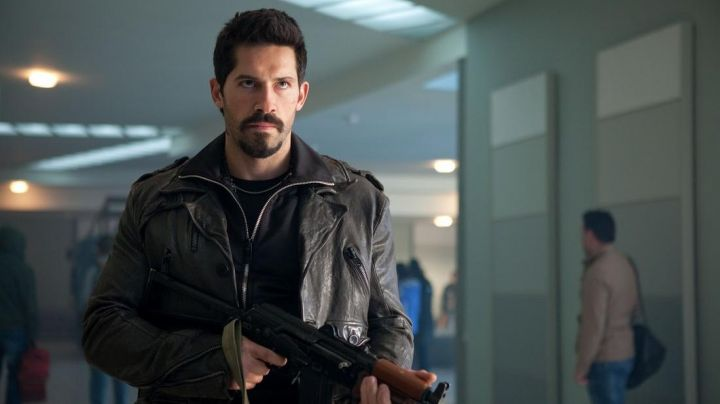 Fashion Trends 2021: Leather jacket worn by Hector (Scott Adkins) in The Expendables 2