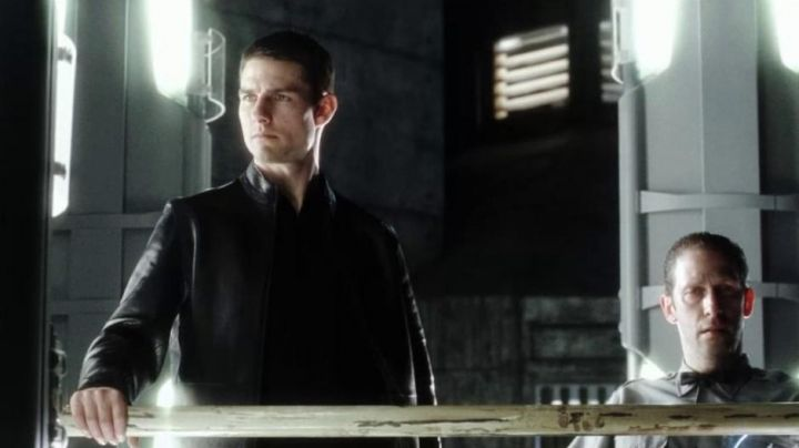 Leather jacket worn by John Anderton (Ton Cruise) as seen in Minority Report