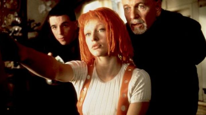 Leelo (Mila Jovovitch) Orange Brasses in The 5th Element - Movie Outfits and Products