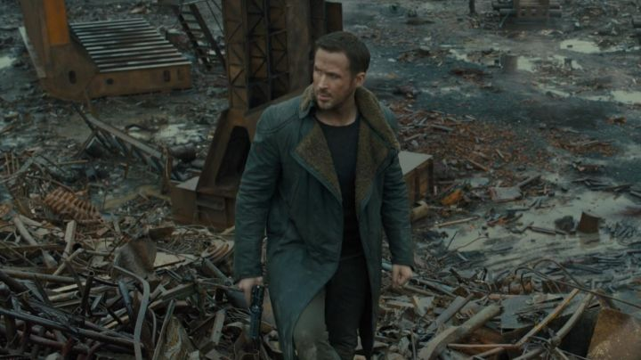 Long Coat worn by K Officer (Ryan Gosling) as seen in Blade Runner 2049