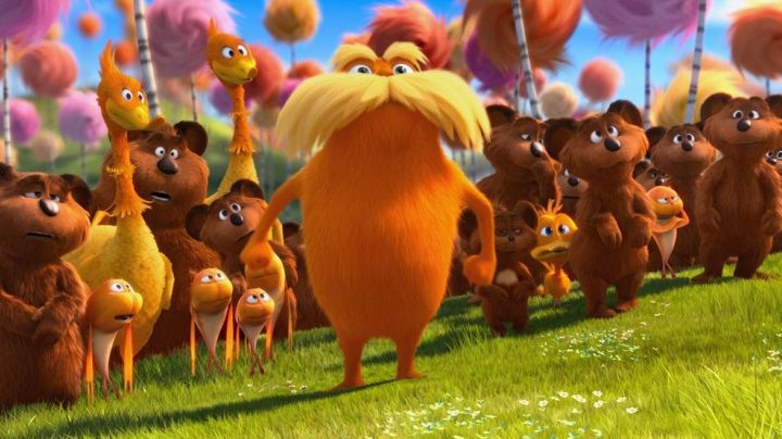Lot of 2 stuffed toys the Lorax in the animated film the lorax - Movie Outfits and Products