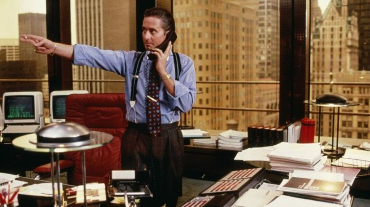 Mariani Executive Chair of Gordon Gekko (Michael Douglas) in Wall Street - Movie Outfits and Products