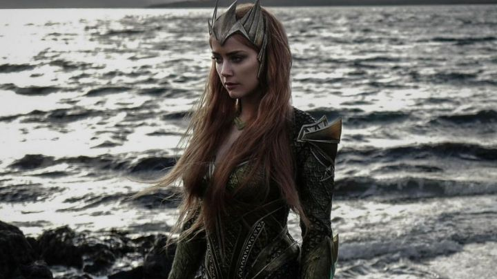 Mera's (Amber Heard) Queen of Atlantis crown as seen in Justice League Movie