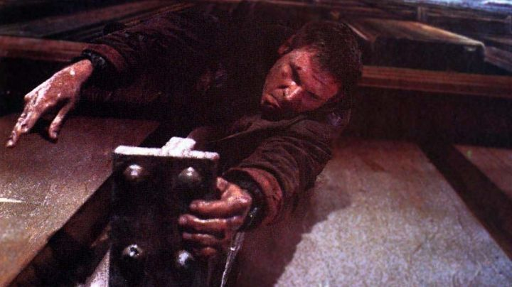 Microma Digital Watch worn by Rick Deckard (Harrison Ford) as seen in Blade Runner - Movie Outfits and Products