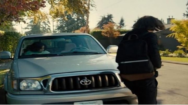 Navy and Brown Backpack used by Olly Bright (Nick Robinson) as seen in Everything, Everything - Movie Outfits and Products
