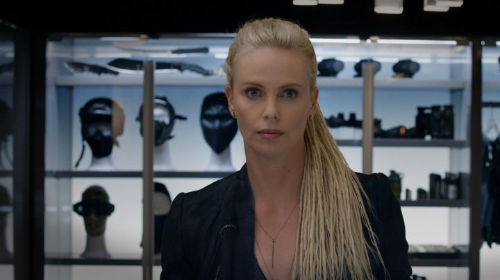 Necklace worn by Cipher (Charlize Theron) as seen in The Fate of the Furious - Movie Outfits and Products